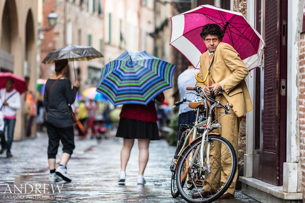 IMAGE: http://www.lasavio.com/images/potn/people4.jpg